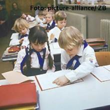 Vom Hort bis zur NVA– Kindheit und Jugend in derDDR