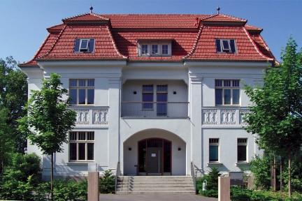 Weiße Villa: Hauptsitz der Stiftung Ettersberg in Weimar, Jenaer Str. 4