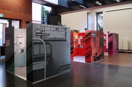 Die Ausstellung besteht aus drei Ausstellungsteilen, die individuell gestellt werden können.