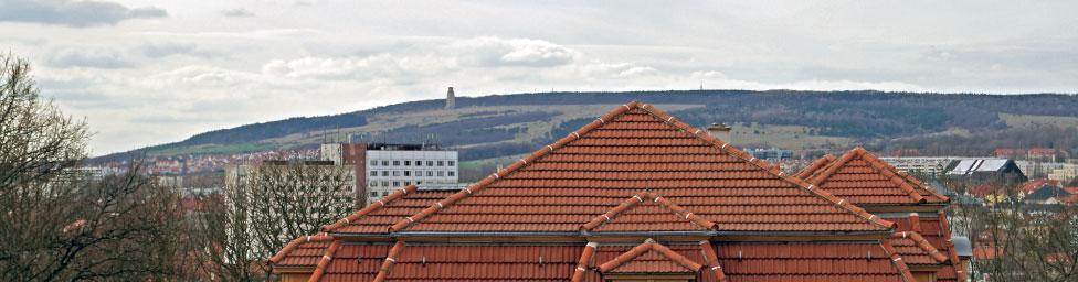 Vom Hauptsitz der Stiftung in Weimar aus kann man ihn sehen: den Ettersberg.